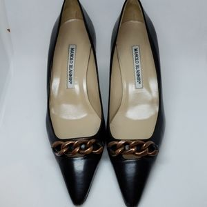 MANOLO BLAHNIK Black Pointy-Toe Chain Kitten Heels